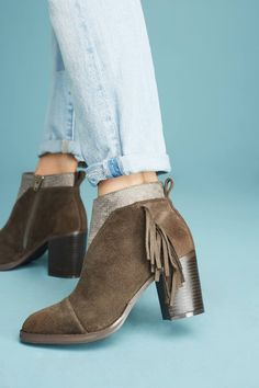 dfe51e1287e3 Slide View  1  Vanessa Wu Fringed Metallic Booties Ankle Booties