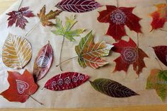 Making leaf art is one of our favorite Autumn activities and we especially love to draw and doodle on pressed Autumn leaves. Leaf art with kids or without. Autumn Crafts, Autumn Art, Nature Crafts, Autumn Leaves, Autumn Theme, Fall Leaves Drawing, Leaf Drawing, Leaf Crafts, Crafts For Kids