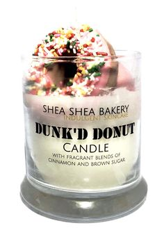 The Bakery's newest candle is a sure treat for the eyes! Once lit, this beautiful candle will quickly fill any room with a sweet smelling blend of vanilla, sugar and cinnamon. Our Dunk'd Donut Candle Diy Candles Scented, Gel Candles, Cute Candles, Homemade Candles, Beautiful Candles, Candle Jars, Candlemaking, Vanilla Sugar, Cinnamon