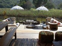 Unterkunft Plettenberg Bay Emily Moon River Lodge Plett Südafrika auf i River Lodge, Moon River, Outdoor Furniture Sets, Outdoor Decor, South Africa, Wedding Styles, Patio, Boutique, Cape Town