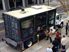 Freightliner Truck Del Popolo Pizza