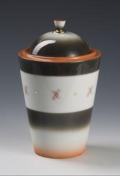 Vase with lid by Nora Gulbrandsen for Porsgrund Porselen. Machine Age, Food Storage, Art Deco, Vase, Ceramics, Mugs, Retro, Tableware, Canisters
