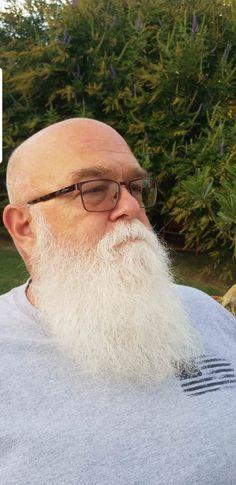 Happy National Beard day to all my gray beard brothers Old Bald Man, Bald Men With Beards, Bald With Beard, Grey Beards, Awesome Beards, Mens Glasses, Beard Styles, Facial Hair, Bearded Men