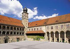 Schloss Plassenburg bei #Kulmbach in #Bayern. Plassenburg Castle in the city of Kulmbach in Bavaria, Germany.