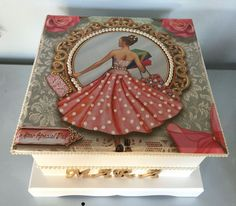 Decoupage Box, Decoupage Vintage, Painted Boxes, Wooden Boxes, Decor Crafts, Diy And Crafts, Altered Cigar Boxes, Matchbox Crafts, Pinterest Crafts