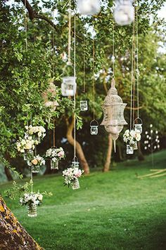 DIY decoration ideas for a fantastic garden wedding. Garden wedding lights decoration The post DIY decoration ideas for a fantastic garden wedding. appeared first on DIY Fashion Pictures. Perfect Wedding, Our Wedding, Dream Wedding, Trendy Wedding, Wedding Themes, Wedding Tips, Elegant Wedding, Decor Wedding, Spring Wedding