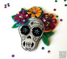 2. #Fascinator - 7 DIY Sugar Skull #Crafts You Can do for Halloween ... → DIY #Sugar