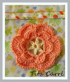 Uma flor Laranjinha em crochet
