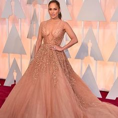Our choice for the best dressed at the Oscars 2015,  Jennifer Lopez in Elie Saab.