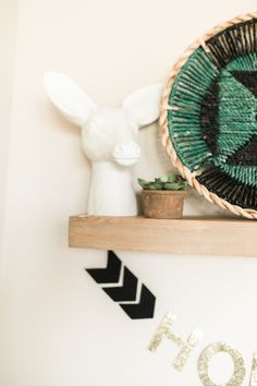 Boho kid's room accents: http://www.stylemepretty.com/living/2016/01/25/modern-bohemian-california-home-tour/ | Photography: Daphne Mae - http://www.daphnemaephotography.com/