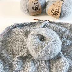 Maxi écharpe triangulaire au tricot, DIY par Alice Gerfault
