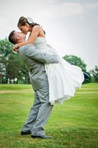 Love this for a picture idea for my wedding