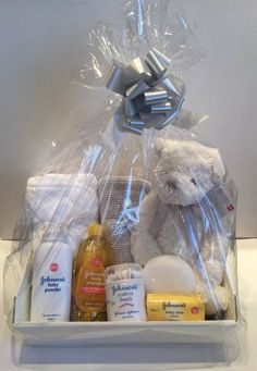 Details about Baby Gift Basket Unisex Baby Hamper Baby Shower Gift New Born Baby Neutral Baby Gift B Baby Shower Gift Basket, Baby Gift Box, Diy Baby Gifts, Baby Shower Gifts For Boys, Baby Shower Presents, Creative Baby Shower Gift, Unisex Baby Gifts, Unisex Baby Shower, Baby Gift Hampers
