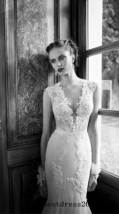 lace wedding dress. It would be perfect if the sleeves were long