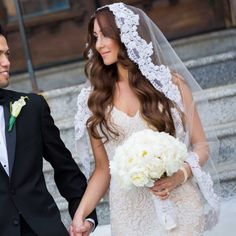 FINGERTIP MANTILLA VEIL 36 Stunning Wedding Veils That Will Leave You Speechless  - Cosmopolitan.com