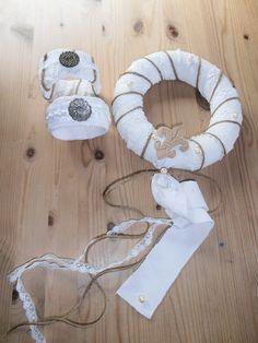 Shabby Armbänder (aus Petflaschen) und Kranz aus Stoffresten Shabby, Symbols, Art, Crown Cake, Gifts, Craft, Art Background, Icons, Kunst