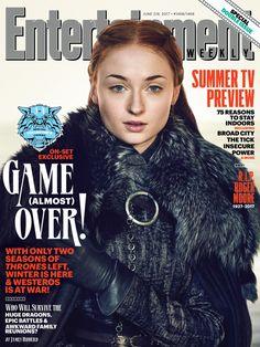 Game of Thrones: Sophie Turner (Sansa Stark) (photo via Entertainment Weekly) Entertainment Weekly, Game Of Thrones, Sophie Turner, Jon Snow, Set Game, Diy Tv Stand, Portraits, Sansa Stark, Bran Stark