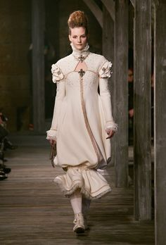 Chanel Metiers d'Art Pre-Fall 2013 at Linlithgow Palace