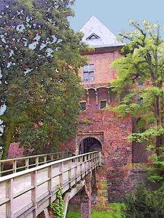 'Burg Linn in Krefeld' von Dirk h. Wendt bei artflakes.com als Poster oder Kunstdruck $18.03