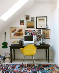 Qu'est-ce que j'aimerais avoir un bureauuuu <3 Avec un iMaaaaac <3