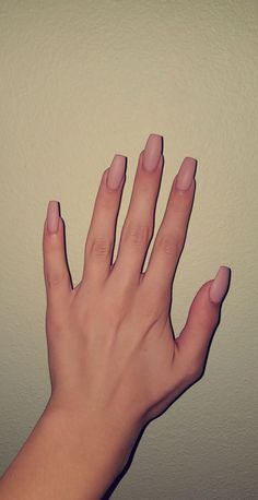 The advantage of the gel is that it allows you to enjoy your French manicure for a long time. There are four different ways to make a French manicure on gel nails. Cute Acrylic Nails, Acrylic Nail Designs, Matte Nails, Coffin Acrylic Nails Long, Ballerina Acrylic Nails, Gorgeous Nails, Pretty Nails, Fantastic Nails, Hair And Nails