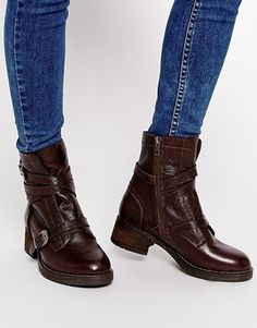 Chaussures Montantes Adidas Originals Extaball Core Noir