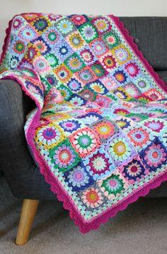 Connie's Blanket. A Colourful Crochet Granny. Connie's Blanket. A Colourful Crochet Granny. – Zeens and Roger Crochet Afghans, Afghan Crochet Patterns, Crochet Patterns For Beginners, Crochet Granny, Blanket Crochet, Knitting Patterns, Crochet Cushions, Crochet Pillow, Free Knitting