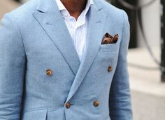 love the button arrangmeent on this double breasted casual suit coat... and the fabric texture... similar to thick gauze/cotton?