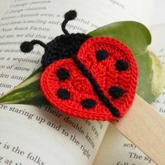Items similar to Crochet bookmark - Green owl on Etsy Love Crochet, Crochet Gifts, Crochet Motif, Crochet Toys, Crochet Baby, Knit Crochet, Crochet Ladybug, Crochet Butterfly, Crochet Flowers