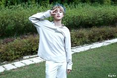 Find images and videos about kpop, bts and jungkook on We Heart It - the app to get lost in what you love. Bts Jimin, Bts Bangtan Boy, Bts Jungkook, Park Ji Min, Busan, Kim Namjoon, Jung Hoseok, K Pop, Beatles