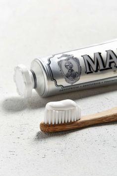 Pâte à dent à la menthe Marvis - Urban Outfitters