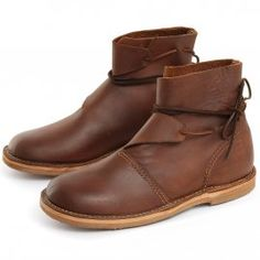 Mens Boots - How To Make A Remarkable Shoe Wardrobe Doc Martens Stiefel, Doc Martens Boots, Black Leather Shoes, Leather Boots, Viking Shoes, Mens Boot, Shoe Wardrobe, Karl Urban, Duck Boots