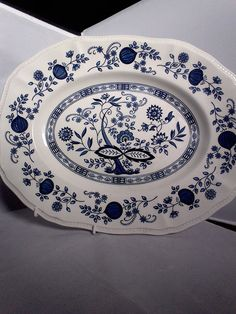 Large meat plate, blue and white, Kensington pottery, online pattern, 14 inches wide, 11 inches across, dinner service, Ironstone pottery by MaddisonsRainbow on Etsy Christmas Turkey, Vintage Tableware, Blue Plates, Blue And White, Pottery, Meat, Dinner, Etsy, Ceramica