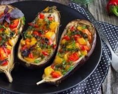 Eggplants fat-burning stuffed with grilled vegetables: www.fourchette-and … – The most beautiful recipes Veggie Recipes, Vegetarian Recipes, Dinner Recipes, Cooking Recipes, Healthy Recipes, Eggplant Recipes, Grilled Vegetables, Light Recipes, Cooking Time