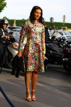 Dress:VINTAGE Metallic Floral DressBag:CHANEL BagShoes:Pink and Nude HeelsPhoto By:Phil Oh