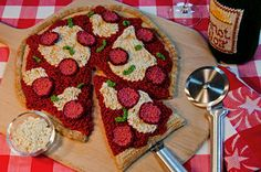 Knitted pizza anyone? #food http://knittingfever.com/blog/yarn-art-knitted-food/ - spotted and pinned by Knit Today magazine. Visit knit-today.com.