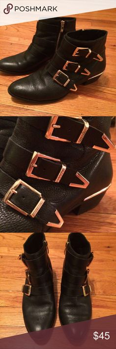 Vince Camuto Leather Booties Excellent Condition, minimal signs of wear. Worn only a few times. Super soft leather Vince Camuto Shoes Ankle Boots & Booties