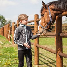Horze Luca Children's Fleece Jacket for the young rider. Soft and warm fleece jacket, with 2-way zipper.
