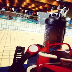 Just me the pool.. and 200 of Gothenburgs hairiest men.  just kidding. Crowded in the pool today. 1k kicks routine improving. Inspired by @artofmanliness podcast about free diving I experimented with holding breath. Love the Pool.  #CrossFit #Swim #DoYouEvenSwim #PoolPosition #SwimOrDie #ElToroLoFit #peterlarsson #purepharma #purepharmasweden #UnstoppableTogether #FLAWD #ThisIsFLAWD #BreathTaking #ambassador #mammiliandivereflex #GbgFTW #RechargeWOD