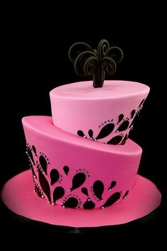 LOVE!  Pink and Black Cake!