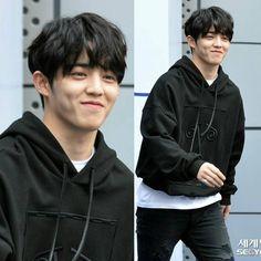 Best smile i ever seen _ 170328 Seoul Fashion Week _ Jeonghan, Woozi, Wonwoo, Seventeen Leader, Seventeen Debut, Seventeen The8, K Pop, Astro Sanha, Rapper