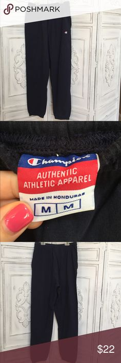 Champion Navy Blue Sweatpants with Pockets Size medium. Great condition! Pockets. Elastic waistband. Champion Pants Sweatpants & Joggers