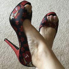 "Slow Dance by Iron Fist Size 8, heel 4.75"", platform 1"" Iron Fist Shoes Platforms"