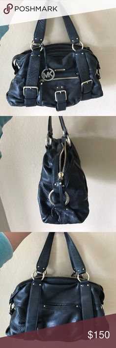 Beautiful Michael Kors handbag! Beautiful hand bag with gold hardware. Lightly used and it good condition. Michael Kors Bags Shoulder Bags