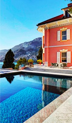 Terraced patio  -  Villa on the French Riviera