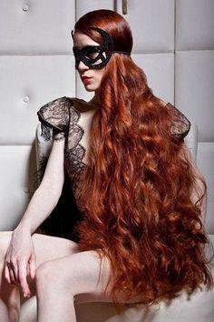 Who doesn't love stunning redhead girls? Long Red Hair, Super Long Hair, Long Curly Hair, Curly Hair Styles, Stunning Redhead, Beautiful Red Hair, Beautiful Women, Redhead Girl, Ginger Hair