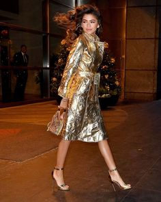 Mood: golden! What are you wearing for NYE? @Zendaya won festive dressing with this look. #NYE #partytime (RG) via MARIE CLAIRE SOUTH AFRICA MAGAZINE official Instagram - #Beauty and #Fashion Inspiration - Beautiful #Dresses and #Shoes - Celebrities and Pop Culture - Latest Sales and Style News - Designer Handbags and Accessories - International Advertising Campaigns - Gifts and Bargain #Shopping Guide - Famous Luxury Brands on Instagram - Trendsetters Fashionistas and Shopaholics…
