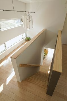 ideas home loft design stairs for 2019 Home Bedroom, Home Living Room, Loft Design, House Design, Small Tiny House, Entryway Wall Decor, Loft House, Japanese House, New Home Designs