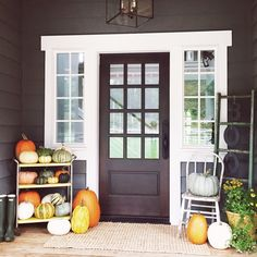 Simple fall porch de