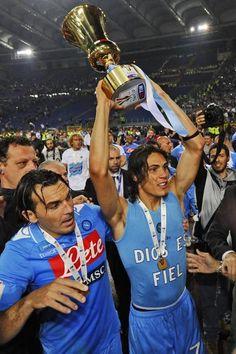 Cavani. Napoli CAMPIONE Coppa Italia 2012 <3 Football Soccer, Football Players, Italian Cup, Casual, Sport, Athlete, Soccer Players